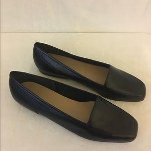 Enzo Angiolini Leather Flats